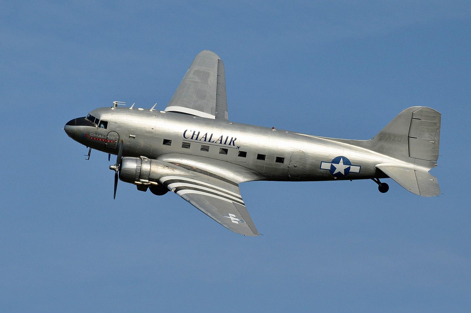 Symbole de Liberté, de sûreté, associé aux Héros qu'il a transporté, voici le Douglas DC-3