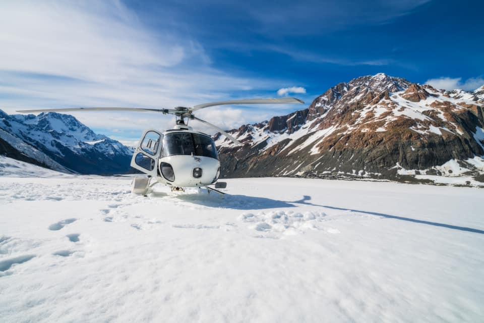 Voyage d'affaires, voyages privés : vos vols en toute sécurité avec Artheau Aviation. Let's Fly Together.